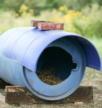 Chicken Shelter with Plastic Drum